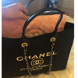 0e9e4038b35194 Women Chanel Drawstring Bag on Poshmark